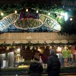 Adventní trhy Vídeň - stánek s punčem