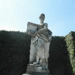 Zámek Lednice - socha v parku