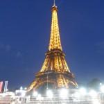 Noční Eiffelova věž