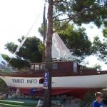 Loď u parkoviště FKK Tučepi